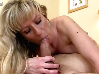 Horny Blonde Cougar Fucking And Sucking - Maturenl