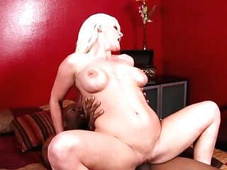 Stunning Blonde Cougar Kaylee Brookshire Rails Black Man Rod