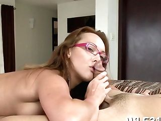 Munching A Cock-squeezing And Horny Cunt