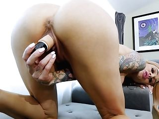 Eye Catching Tattooed Buxomy Cougar Sarah Jessie Has Found A Fucktoy For Solo
